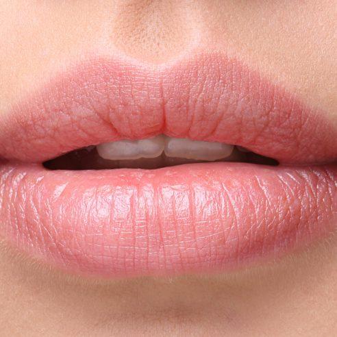 lips-2932x2012-woman-beautiful-closeup-hd-2464